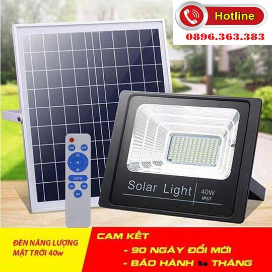 Đèn pha năng lượng mặt trời công suất - 100W